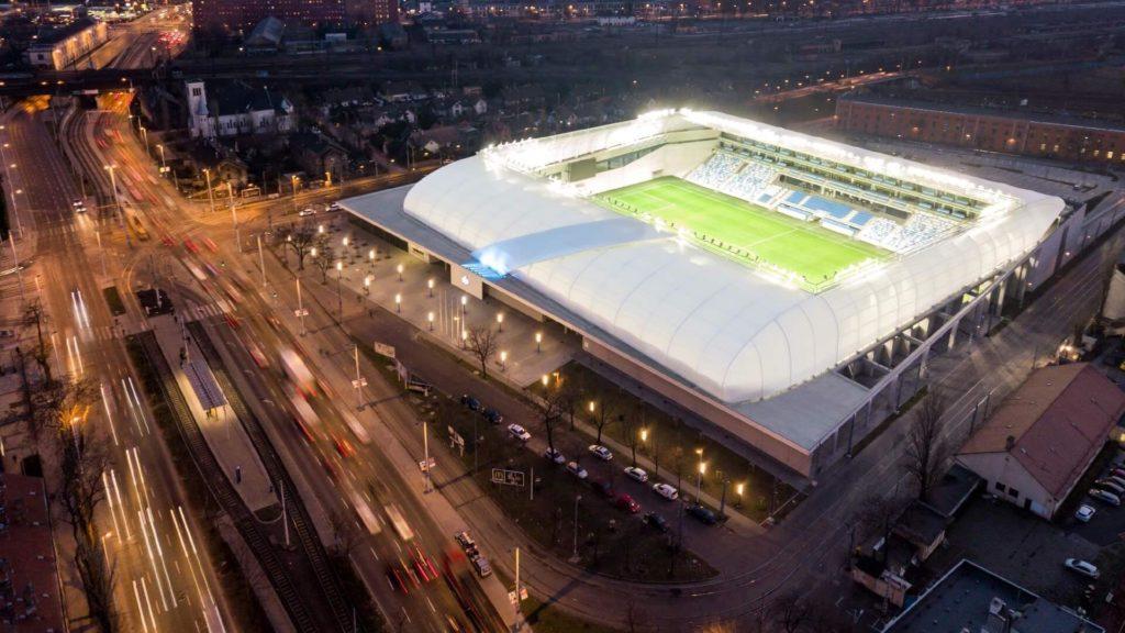 MTK Új Hidegkuti Nándor Stadion esti fényekkel