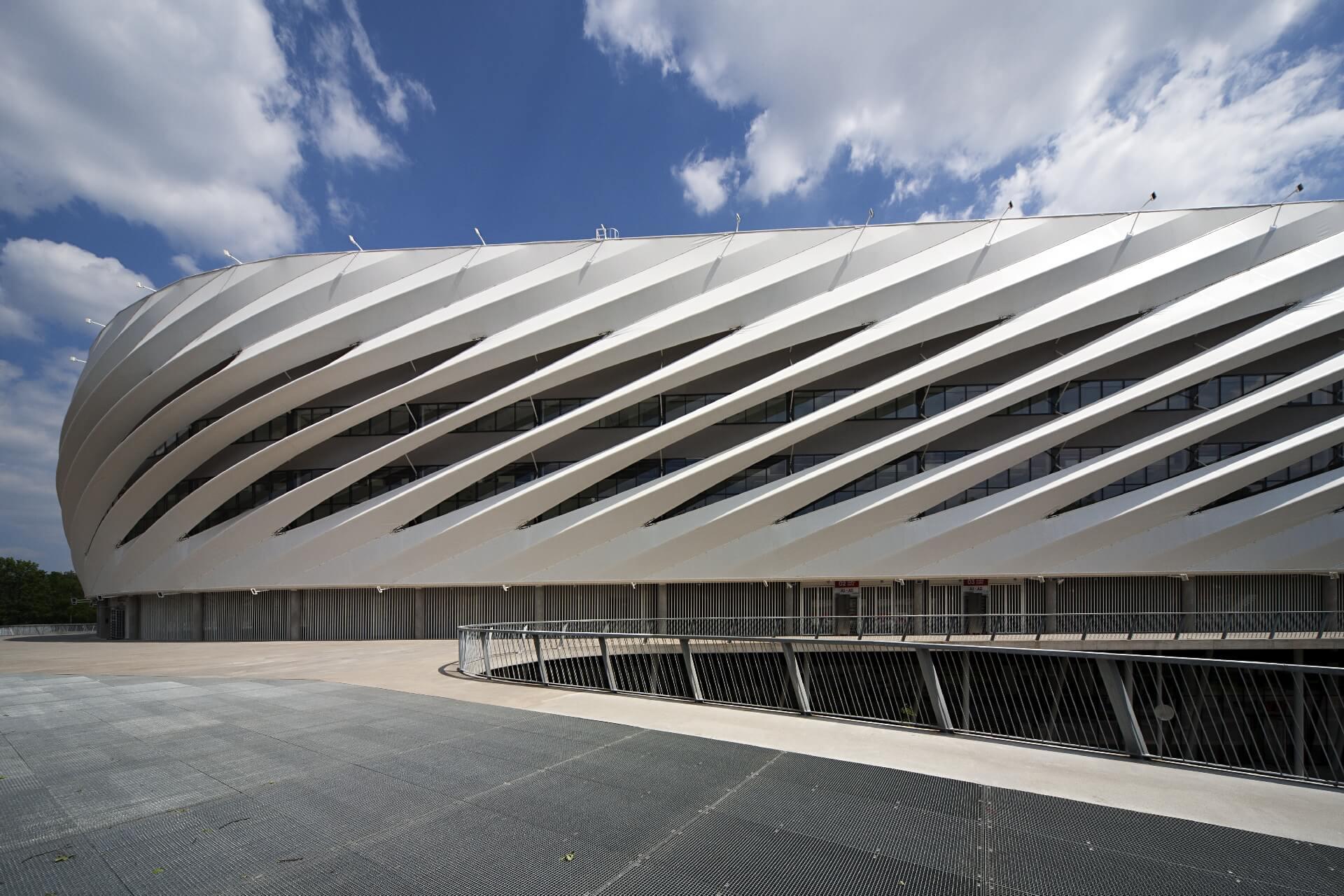 Nagyerdei Stadion homlokzata